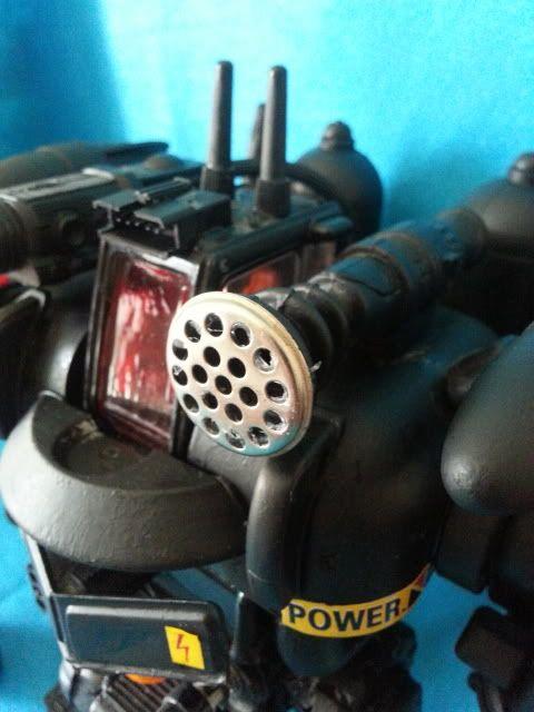 Tank robot 20130609_114257_zps81626dd7
