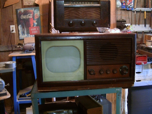 Whats a good TV to look for to restore?  HPIM8055_zps5fcc9351