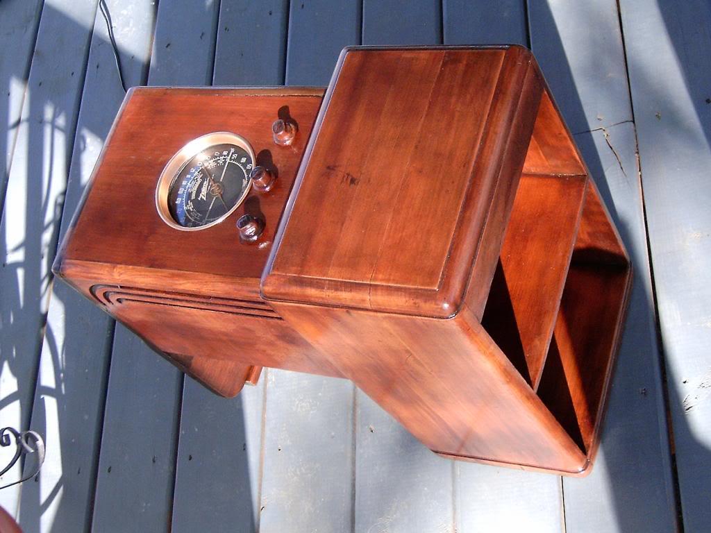 Zenith 5s237 Chairside Tube Radio HPIM8525_zps0358dbe7