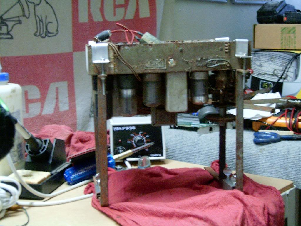 Homemade radio stand HPIM8795_zpsc375ae94