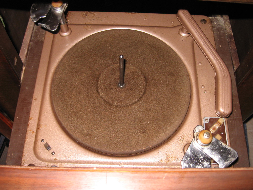 Need suggestions on a record player.  IMG_0581_zpsywwd0tow