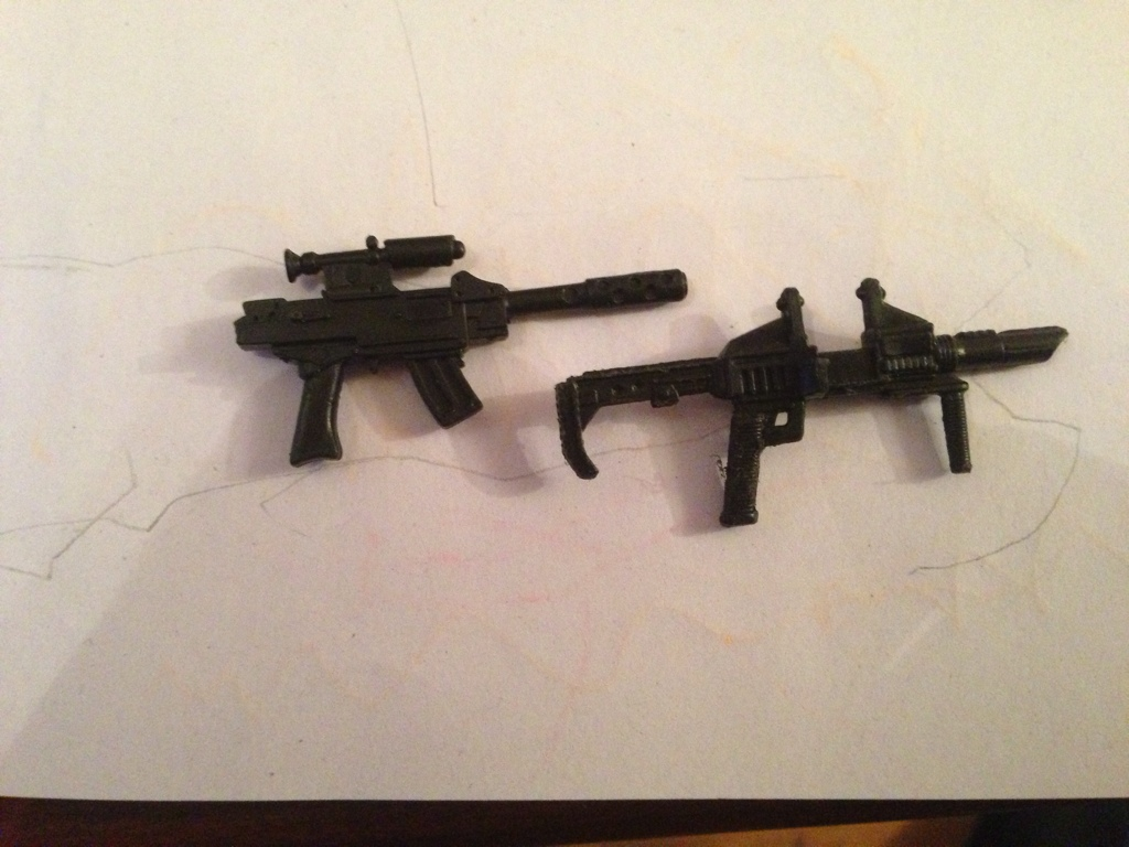 Can anyone identify these guns? EC7A612A-8A63-418D-8AAC-B03D75651D50-4854-000001FA72F74133