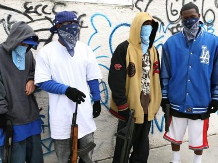 (FULL) Esamir International News Network - Page 5 Gangbangers-and-guns_40168_600x4501-450x337_zps37fe48b5