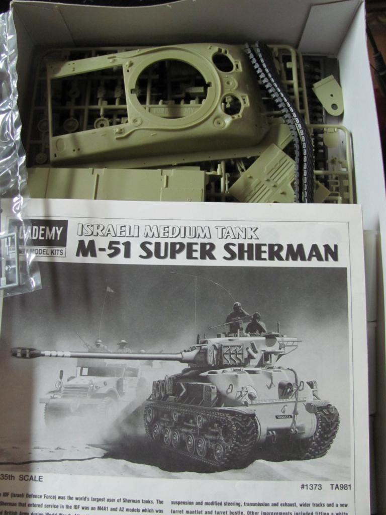 M-1 Sherman = Academy M-51 & Dragon M4A3 (Wet) kitbash IMG_1846c_zpsf1015a54
