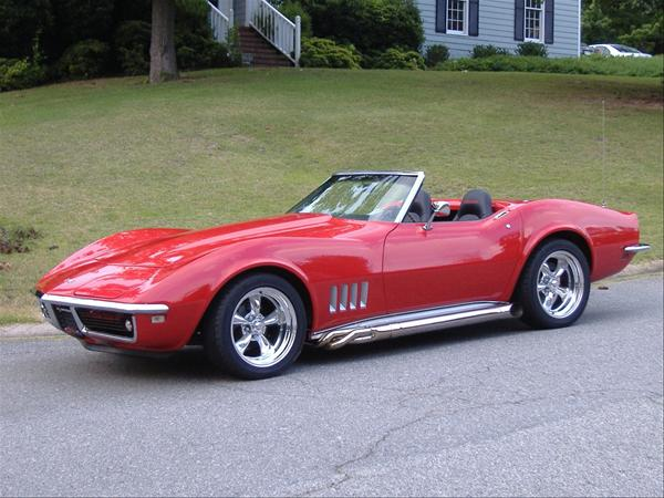 Corvette 68 roadster  By Revell 1488225_600_zps9246c958