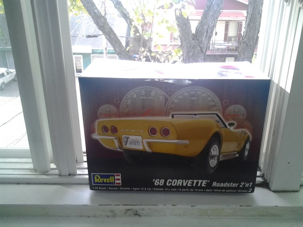 Corvette 68 roadster  By Revell 2013-10-06102806_zps18b5994c