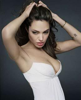 Angelina Jolie - Page 2 Angelina-jolie-