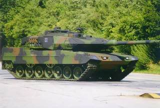 the who is online pic's rifles Leopard2tank-14