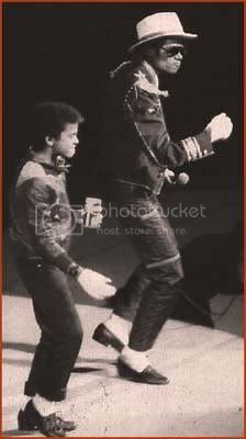 MJ and Alfonso Ribeiro Rehearsing for Pepsi Commercial Mikeandalfonsoribeirorehearsing