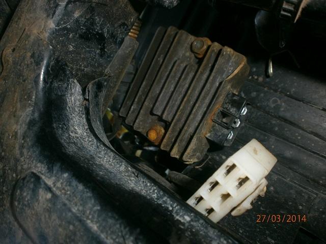 HD 254A: dos soluciones por Regulador Voltaje quemado P3270318_zps6a1f1574
