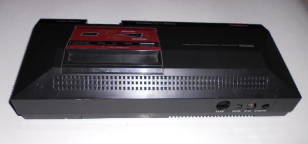 معرض بيع أجهزة سيجا SEGA MASTER SYSTEM POWER BASE و(بالتوصيلات الكهربائيه) DSCN0786_zpsbb2be50e
