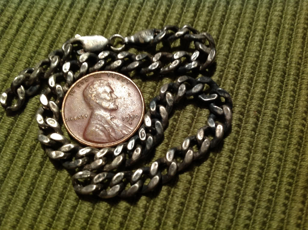 Esclava de plata 46ad93b3cb80da2fc2eb1e1006f70bb6_zps13a30185