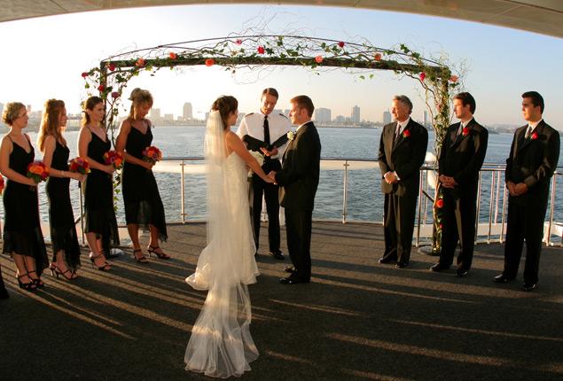 கன்னியரின் கனவுகள் திருமணப்பெண்களின் அலங்கார ஆடைகள்... - Page 2 Newport-Beach-Wedding_zpsb42e72ee