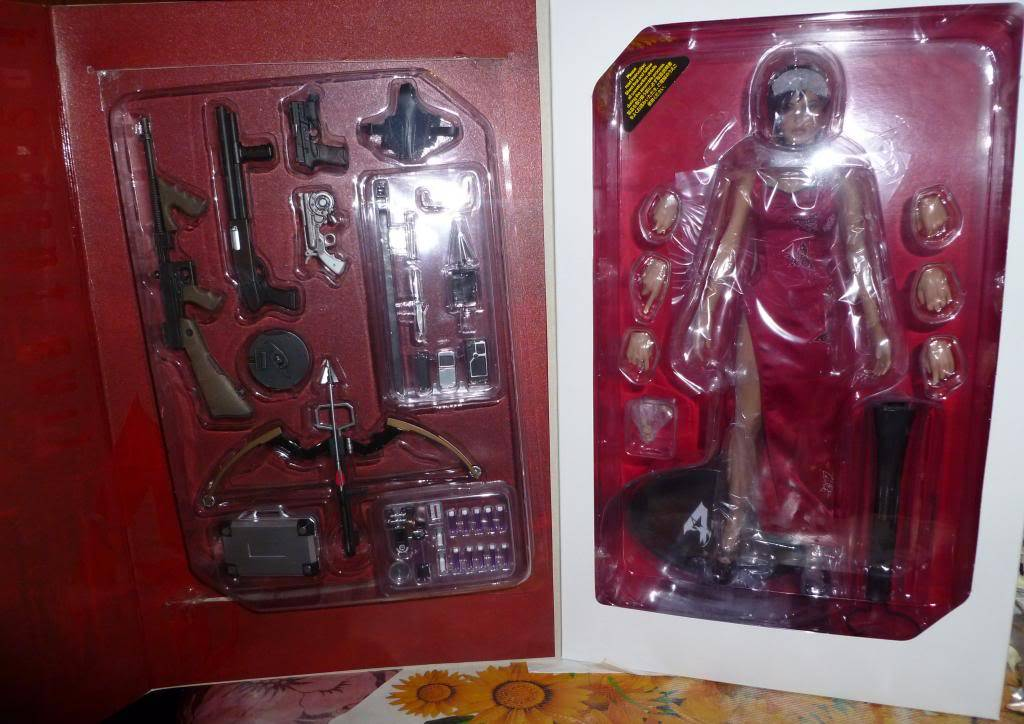 My Hot Toys Resident Evil Collection - Ada Wong added on 11/19/13! - Page 2 P1120713_zps7381adf9