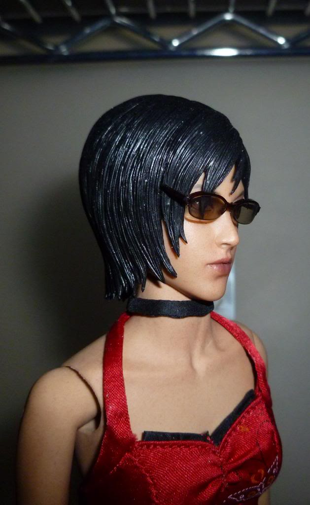 My Hot Toys Resident Evil Collection - Ada Wong added on 11/19/13! - Page 2 P1130286_zps928730fd