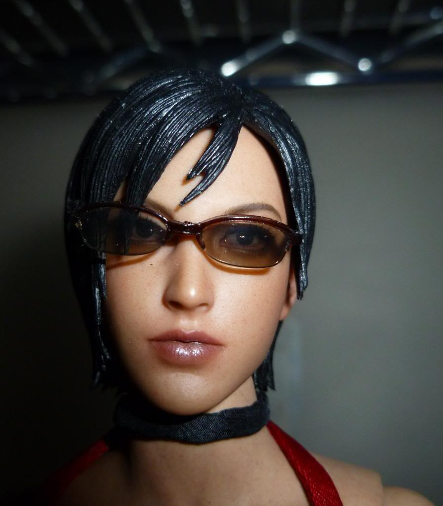 My Hot Toys Resident Evil Collection - Ada Wong added on 11/19/13! - Page 2 P1130288_zps6665d1cb