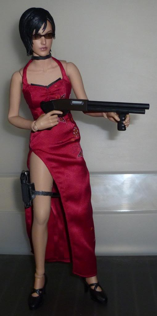 My Hot Toys Resident Evil Collection - Ada Wong added on 11/19/13! - Page 2 P1130297_zps760c259e