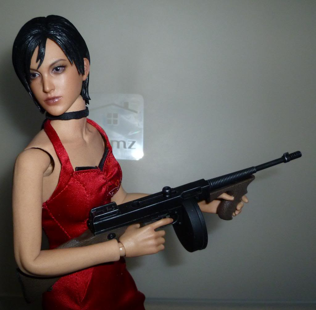 My Hot Toys Resident Evil Collection - Ada Wong added on 11/19/13! - Page 2 P1130300_zpsf70e1571