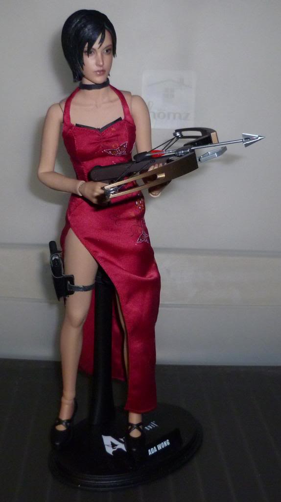 My Hot Toys Resident Evil Collection - Ada Wong added on 11/19/13! - Page 2 P1130302_zps87db107f