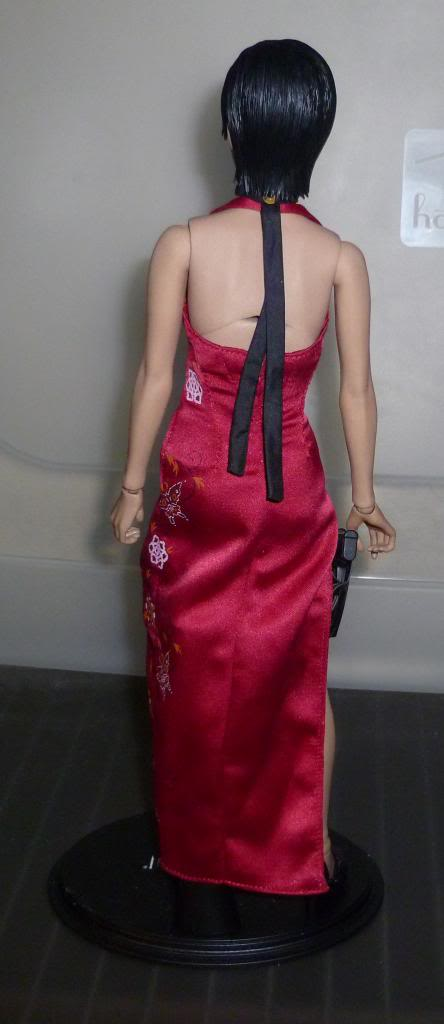 My Hot Toys Resident Evil Collection - Ada Wong added on 11/19/13! - Page 2 P1130305_zps0103764e