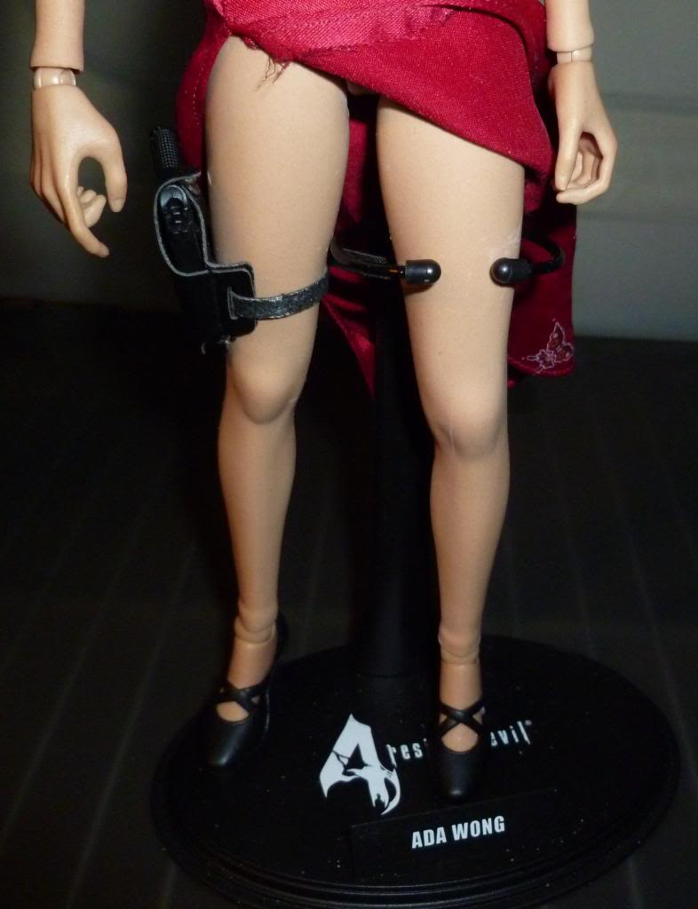 My Hot Toys Resident Evil Collection - Ada Wong added on 11/19/13! - Page 2 P1130320_zpsd4f47ce9