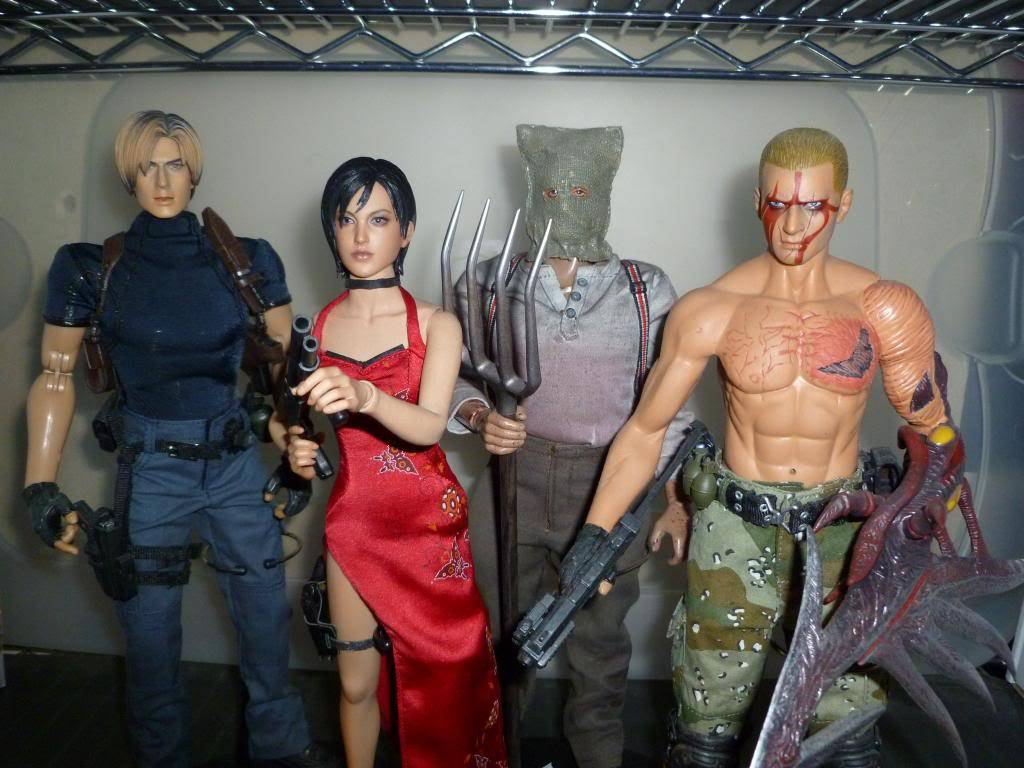 My Hot Toys Resident Evil Collection - Ada Wong added on 11/19/13! - Page 2 P1130341_zps50f6224d
