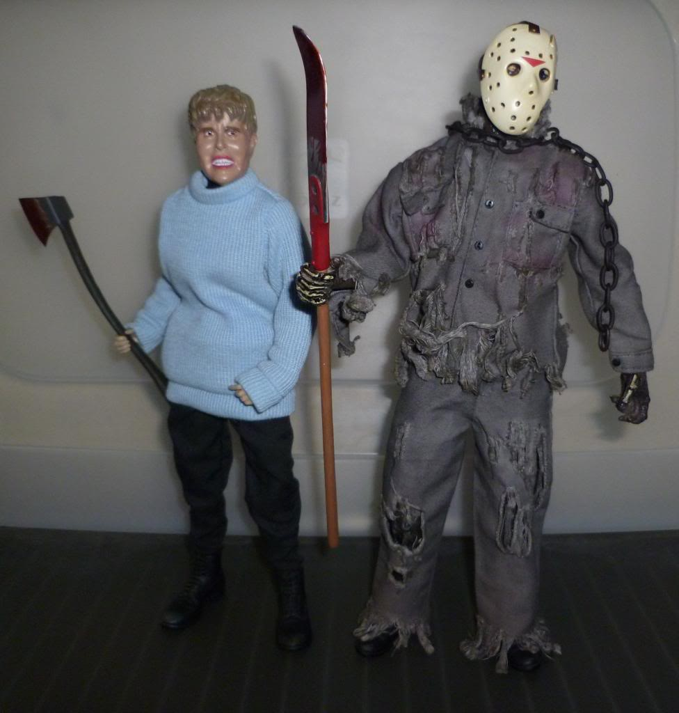 Sideshow FRIDAY THE 13TH: Pamela & Jason Voorhees! P1120420_zpsa3743cb4