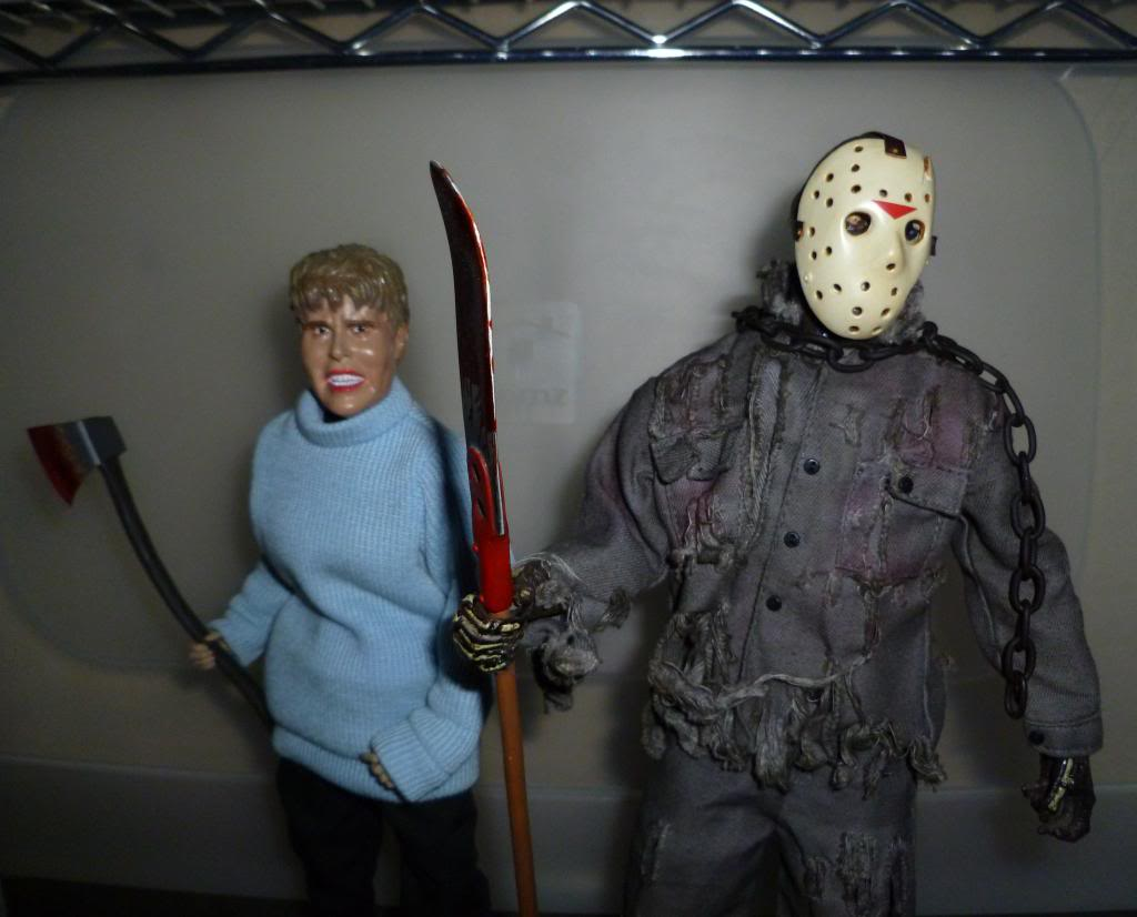 Sideshow FRIDAY THE 13TH: Pamela & Jason Voorhees! P1120421_zps30a27721