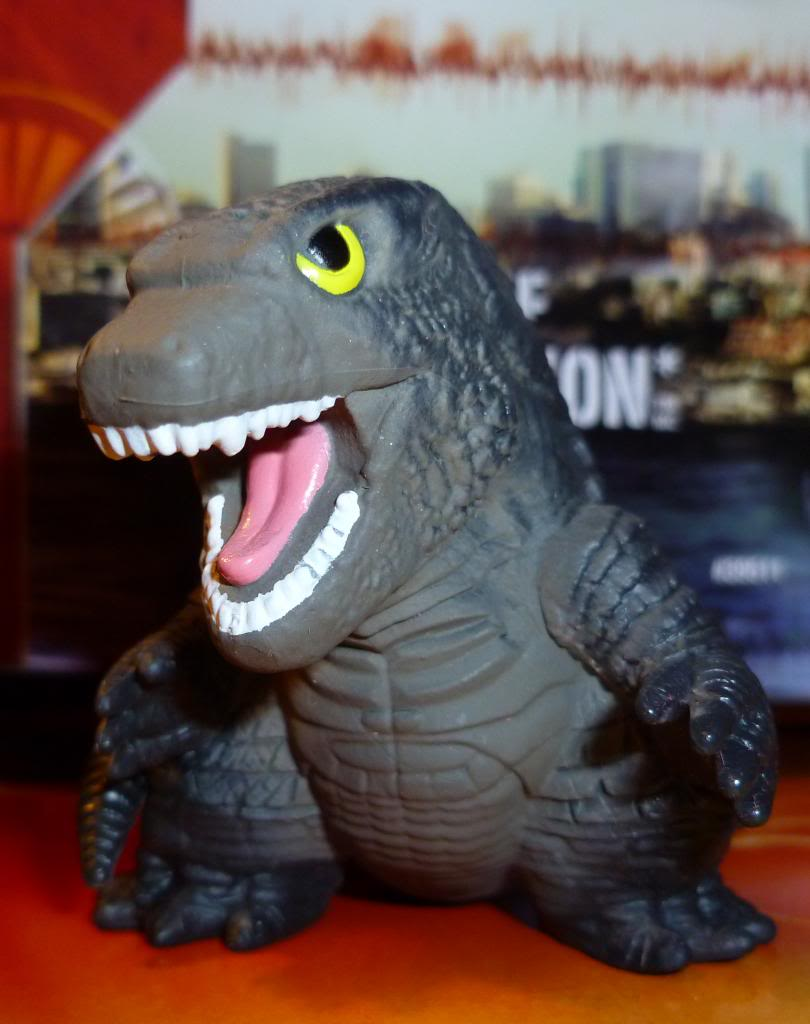 Godzilla 2014 Figures (NECA Godzilla UPDATED 9/9/14)! P1130630_zps95ccf7de
