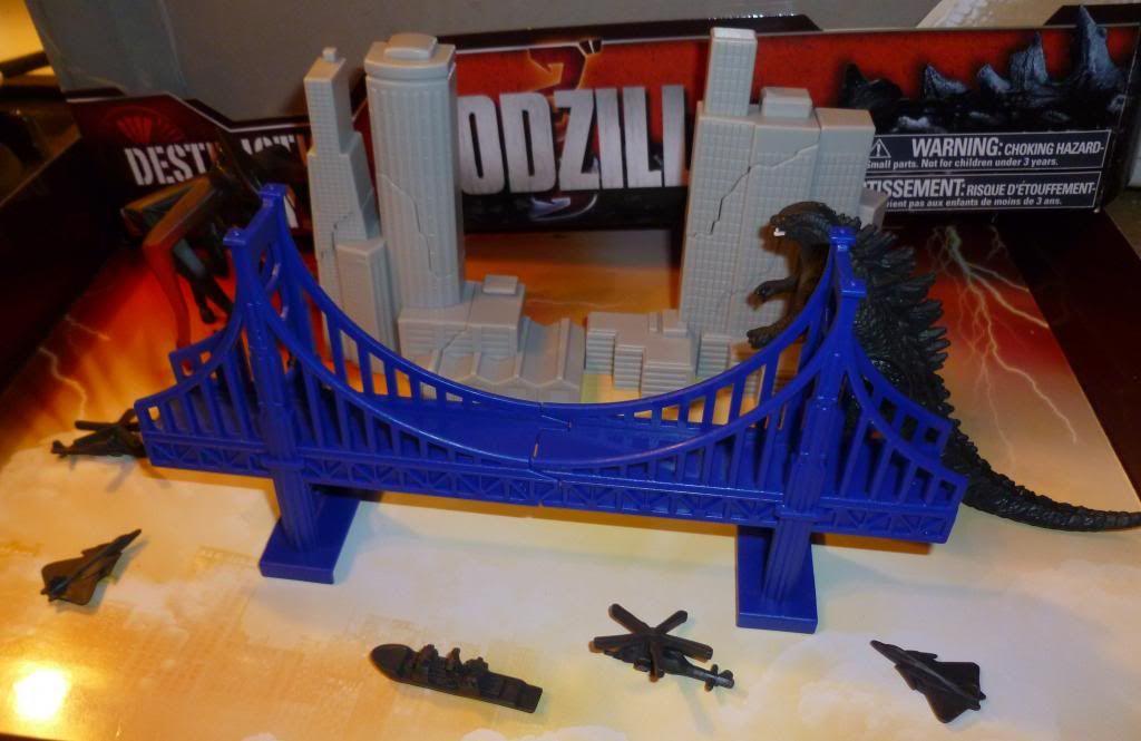 Godzilla 2014 Figures (NECA Godzilla UPDATED 9/9/14)! P1130644_zpsc35e2a97