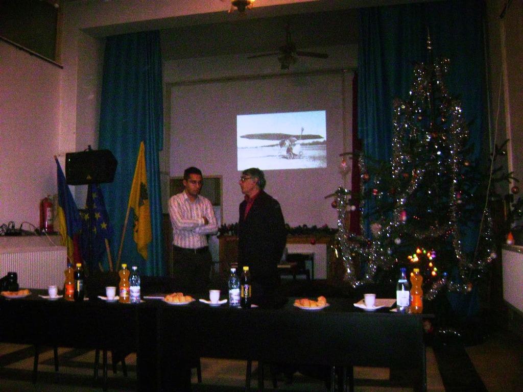 """Simpozionul """"Centenarul Aeronauticii Militare Romane"""" la Rosiori DSC05199_zps23ad0ad5"""