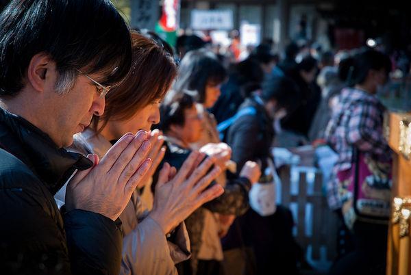 [Du lịch][Tin tức] 32 Ngôi chùa và Đền thờ ở Tokyo 17-yushima-tenjin-plum-festival-near-ueno-1182_zps83e39f2c