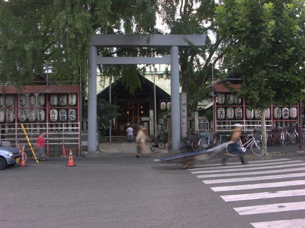 [Du lịch][Tin tức] 32 Ngôi chùa và Đền thờ ở Tokyo 23-namiyoke-inari-1182_zps6504c541