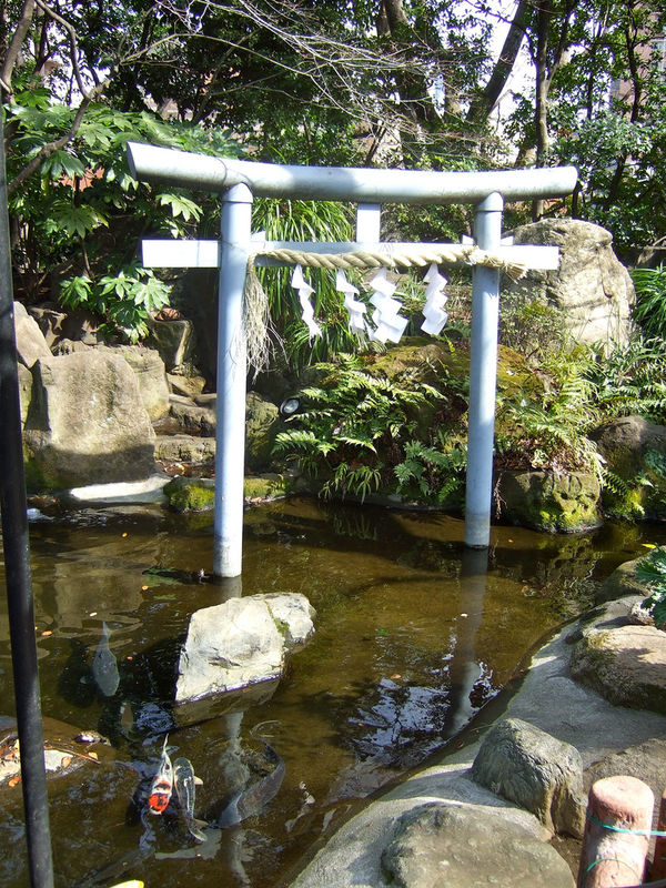 [Du lịch][Tin tức] Đền Atago: Nấc thang lên thiên đường của Tokyo 4-atago-shrine-pond-in-tokyo-1186_zps2c7770f5