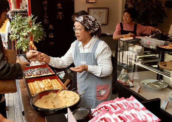[Ẩm thực] 24 Món ăn đường phố Nhật Bản 4-dango-75_zpsffd5b022