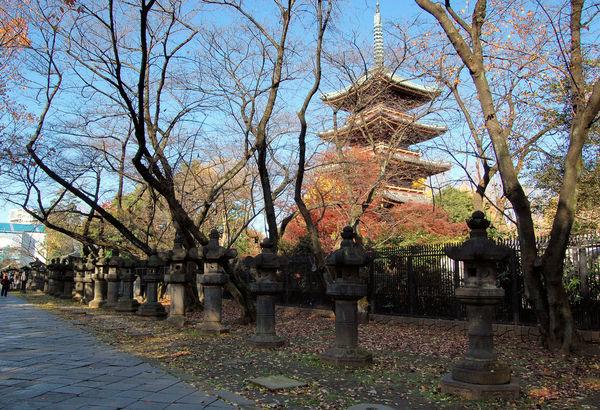 [Du lịch][Tin tức] 32 Ngôi chùa và Đền thờ ở Tokyo 4-kaneiji-in-ueno-park-1182_zps697a6ad5