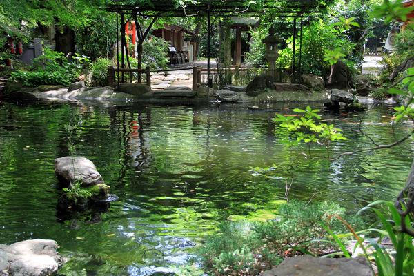 [Du lịch][Tin tức] Đền Atago: Nấc thang lên thiên đường của Tokyo 5-pond-reflect-color-atago-1186_zps82761e27