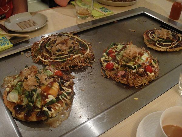 [Ẩm thực] 18 Món ăn trong các bữa tiệc Nhật Bản 7-okonomiyaki-62_zpsbc62afd2