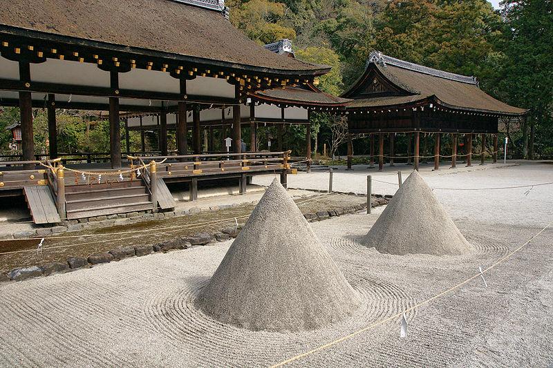 [Du lịch] Đền Kamigamo  800px-Kamo-wakeikazuchi-jinja12n4272_zps42ce51e3