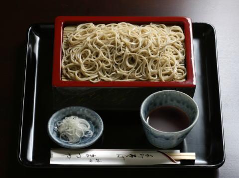 [Ẩm thực] Teuchisoba Narutomi: Mì Soba và tempura cho một sự kết hợp cổ điển Image15_zps5167a14d