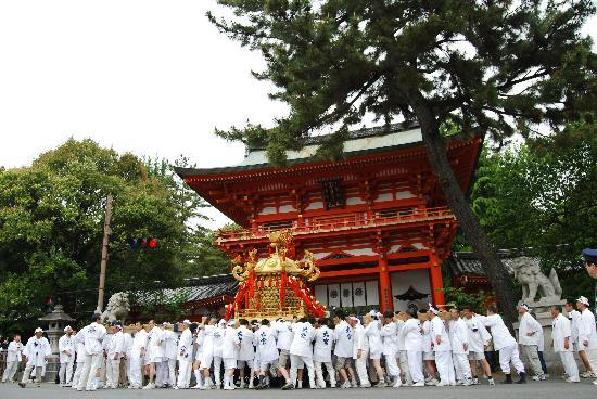 [Du lịch] Đền Imamiya Main-gate-imamiya-festival_zpsa69ed431