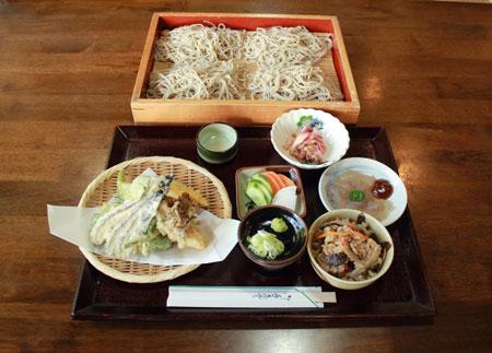 [Ẩm thực] Teuchisoba Narutomi: Mì Soba và tempura cho một sự kết hợp cổ điển Teuchi_soba_zps566e4095