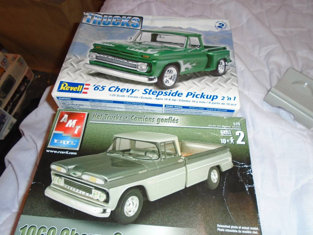 1960's chevy crew cab pick up DSC01135_zpsic1rxiot