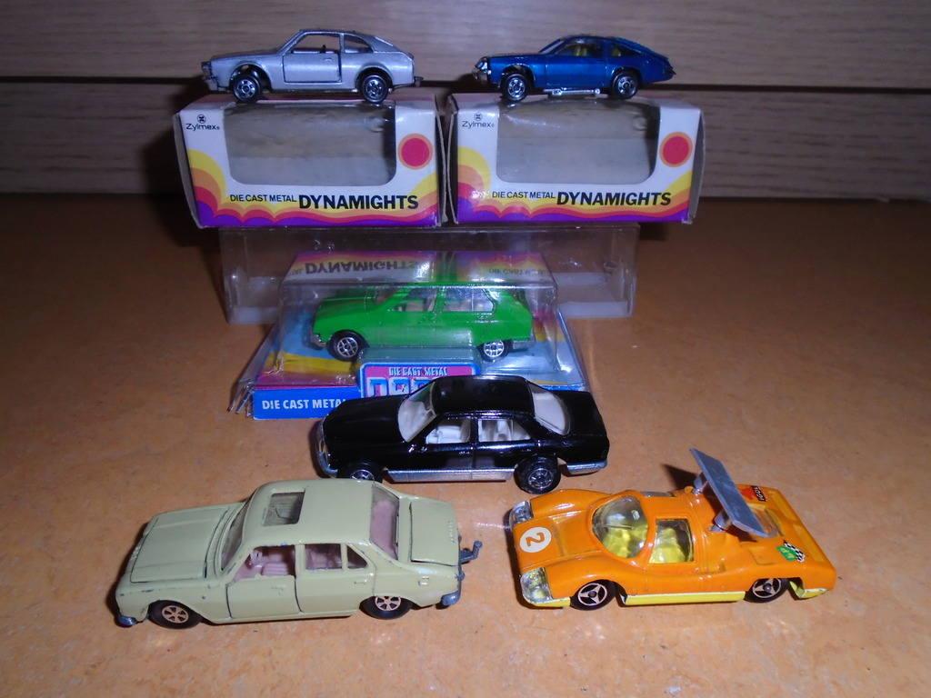some old cars arrived including majorette DSC02805_zpskr6mshrt