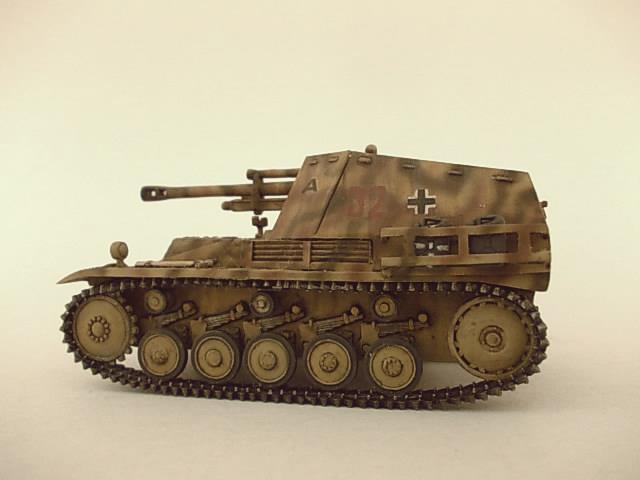 sd.Kfz 124 Wespe , Ukrania 1944 53ordm%20Wespe%201-72%20Peazo-Gato_zpsmloxsv0u