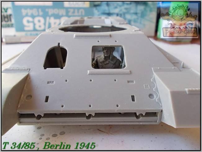 T 34/85 , Berlin 1945 (terminado 20-01-15) 32ordmT34-85peazo-gato_zpsf72043b9