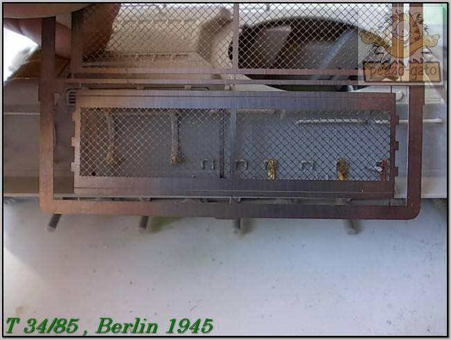 T 34/85 , Berlin 1945 (terminado 20-01-15) 70ordmT34-85peazo-gato_zps12eefada