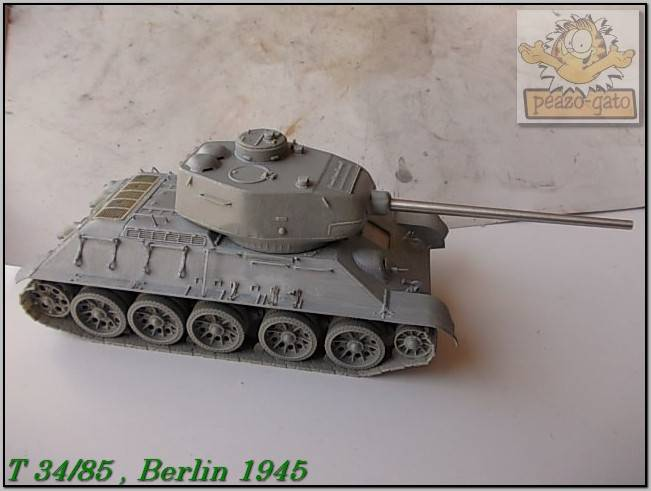 T 34/85 , Berlin 1945 (terminado 20-01-15) 92ordmT34-85peazo-gato_zps85786997