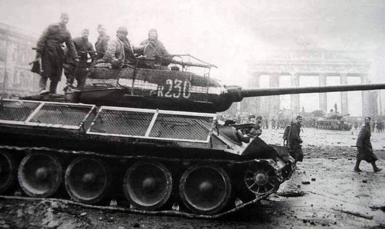 T 34/85 , Berlin 1945 (terminado 20-01-15) T34-85_zps21f05627