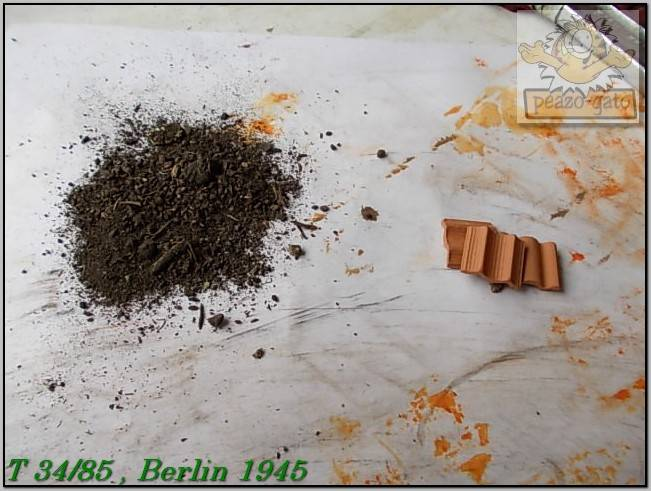 T 34/85 , Berlin 1945 (terminado 20-01-15) 156ordmT34-85peazo-gato_zpsec8293c0
